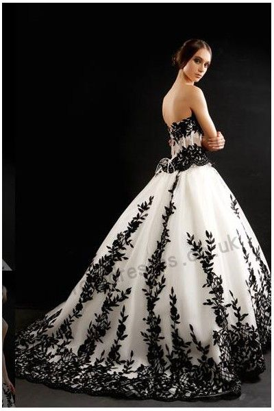 black-matches-white-strapless-chapel-train-organza-wedding-dress-8203customize