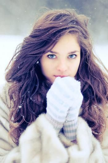 beautiful_girl_and_winter_mini (1)