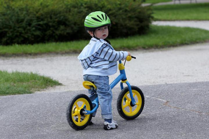 Как выбрать двухколёсный велосипед для малыша.