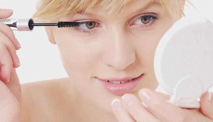 Подбираем средства для снятия макияжа