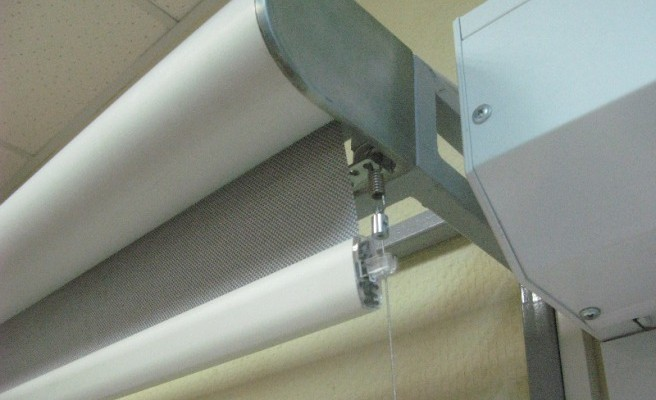 Рулонные-шторы-с-электроприводом