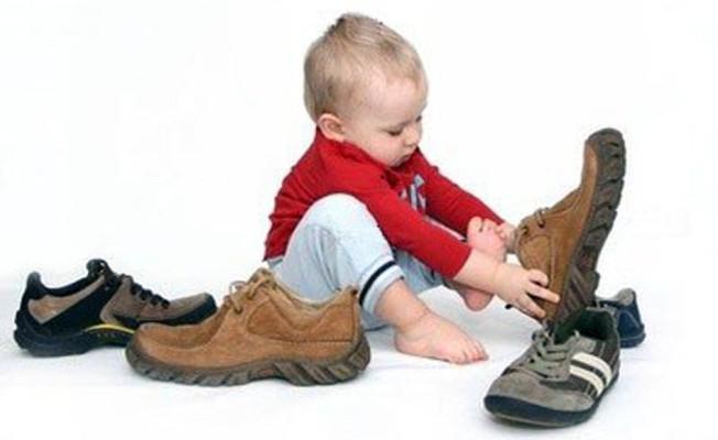 Выбираем-детские-ботинки