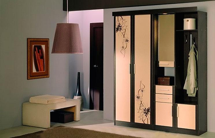 Какую-мягкую-мебель-поставить-в-коридоре