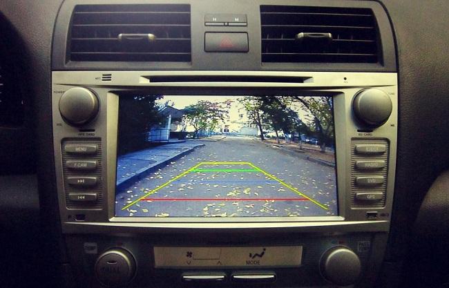 Автомобильная видеокамера заднего вида